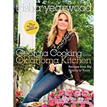 Georgia Cooking in an Oklahoma Kitchen by Trisha Yearwood - Paperback
